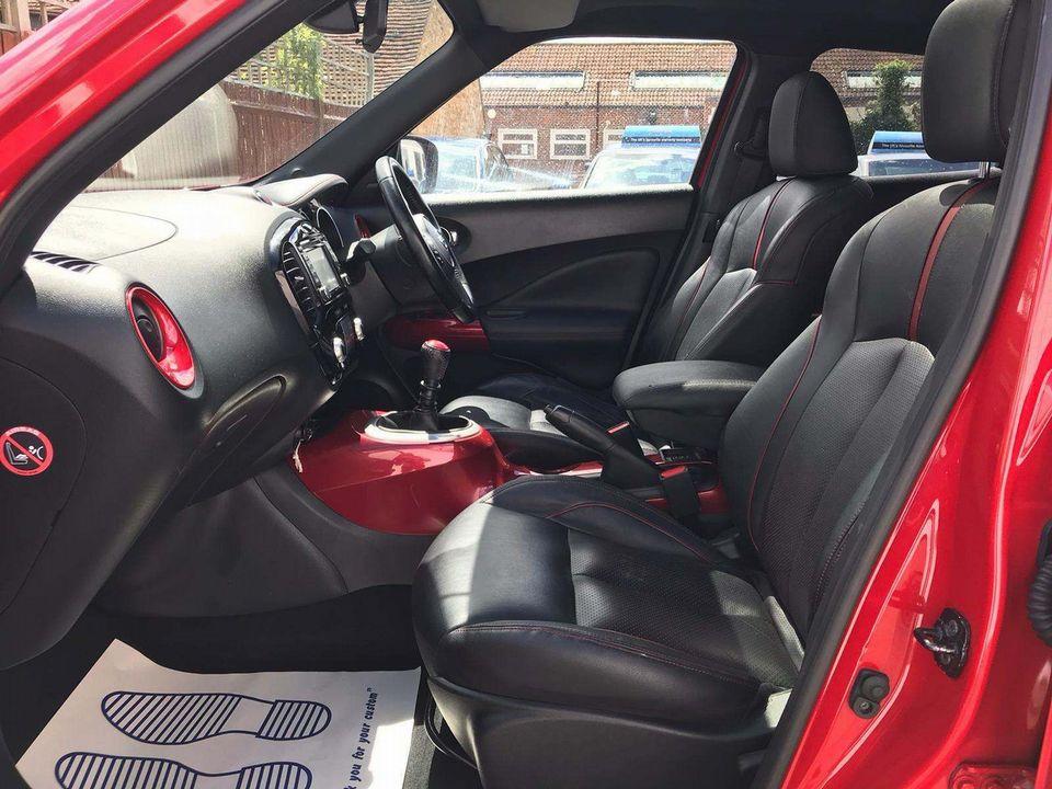 2014 Nissan Juke 1.2 DIG-T Tekna (s/s) 5dr EU5 - Picture 10 of 30