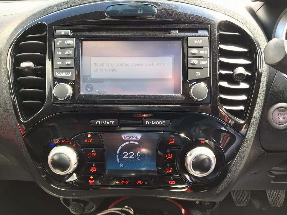 2014 Nissan Juke 1.2 DIG-T Tekna (s/s) 5dr EU5 - Picture 14 of 30
