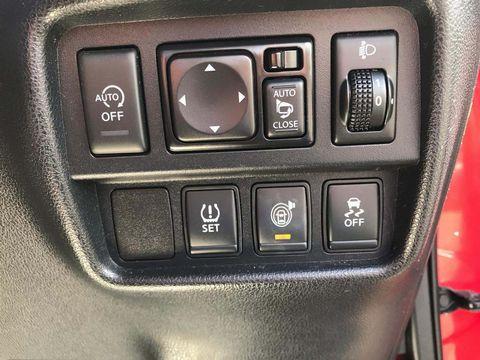 2014 Nissan Juke 1.2 DIG-T Tekna (s/s) 5dr EU5 - Picture 18 of 30