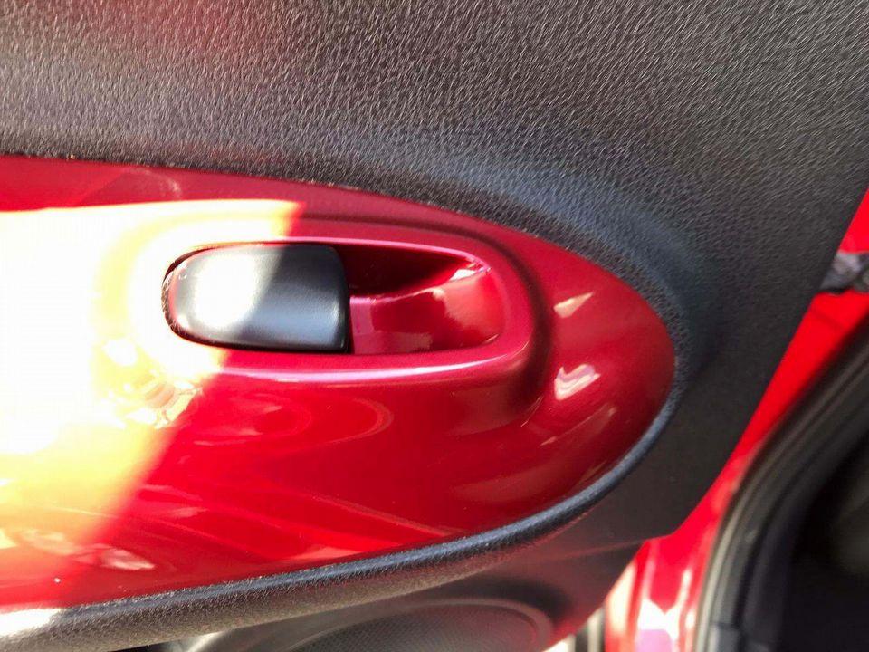 2014 Nissan Juke 1.2 DIG-T Tekna (s/s) 5dr EU5 - Picture 26 of 30