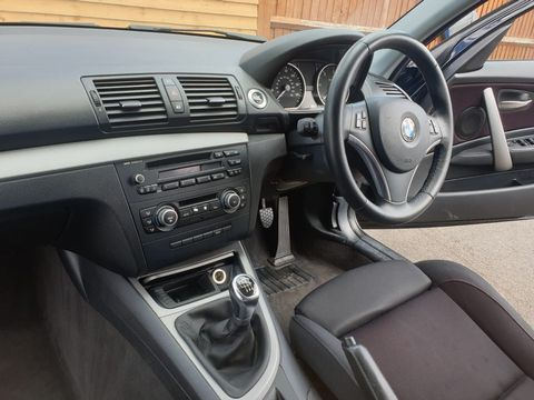 2010 BMW 1 Series 2.0 116d Sport 5dr - Picture 21 of 29