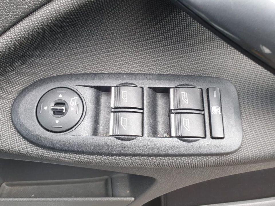 2010 Ford Kuga 2.0 TDCi Titanium 5dr - Picture 22 of 26