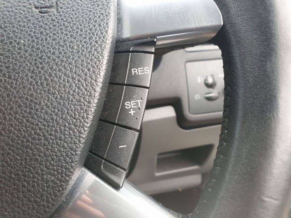 2010 Ford Kuga 2.0 TDCi Titanium 5dr - Picture 16 of 26