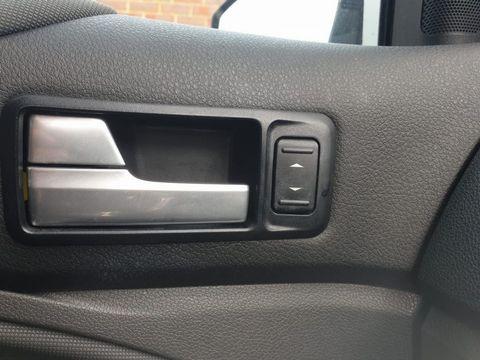 2010 Ford Kuga 2.0 TDCi Titanium 5dr - Picture 19 of 26