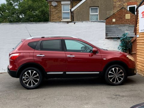 2011 Nissan Qashqai 1.5 dCi n-tec 2WD 5dr - Picture 9 of 25