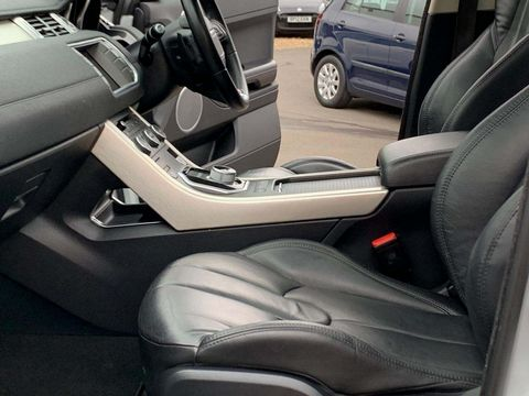 2012 Land Rover Range Rover Evoque 2.2 SD4 Pure AWD 5dr - Picture 22 of 31