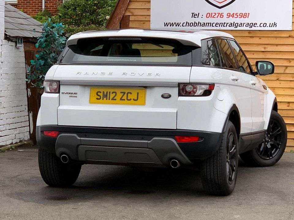 2012 Land Rover Range Rover Evoque 2.2 SD4 Pure AWD 5dr - Picture 9 of 31