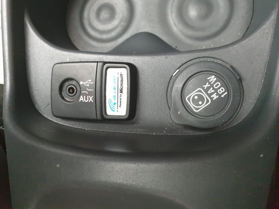 2011 Fiat 500 0.9 TwinAir Lounge (s/s) 3dr - Picture 16 of 32