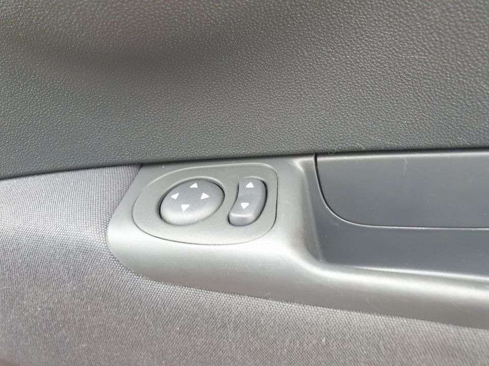 2011 Fiat 500 0.9 TwinAir Lounge (s/s) 3dr - Picture 25 of 32