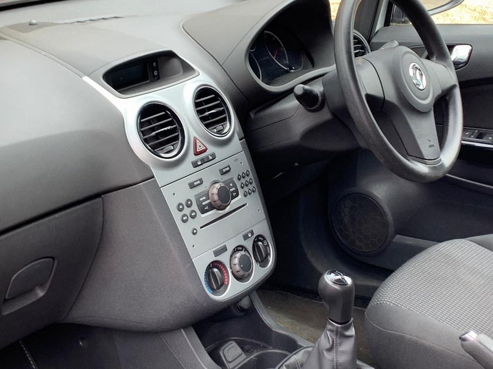 2012 Vauxhall Corsa 1.0 i ecoFLEX 12v S 3dr - Picture 8 of 11