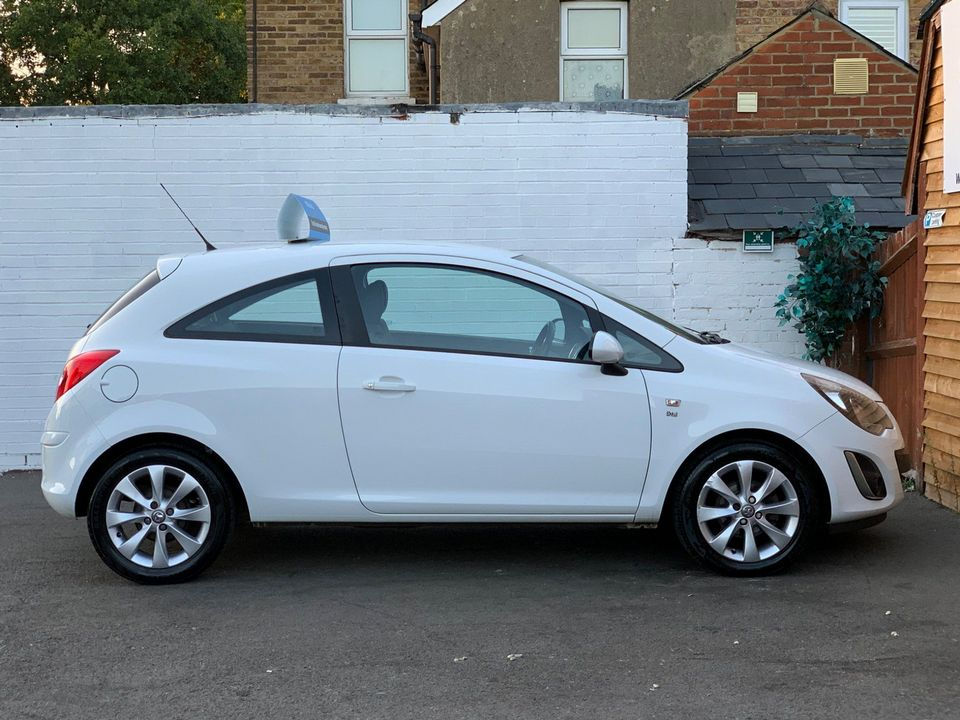 2014 Vauxhall Corsa 1.0 i ecoFLEX 12v Excite 3dr - Picture 10 of 23