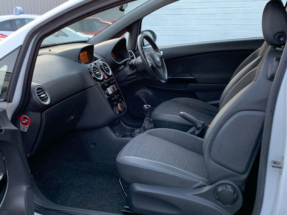 2014 Vauxhall Corsa 1.0 i ecoFLEX 12v Excite 3dr - Picture 12 of 23