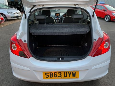 2014 Vauxhall Corsa 1.0 i ecoFLEX 12v Excite 3dr - Picture 18 of 23
