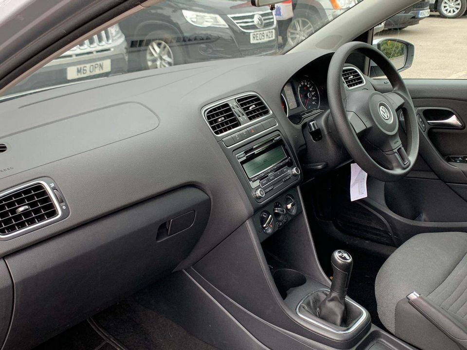 2010 Volkswagen Polo 1.4 SE 5dr - Picture 12 of 22