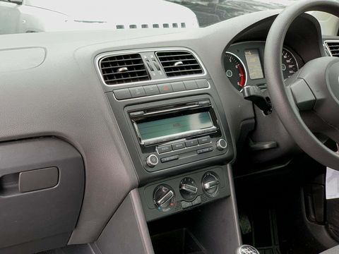 2010 Volkswagen Polo 1.4 SE 5dr - Picture 13 of 22