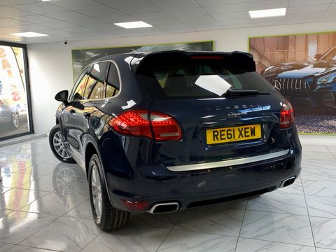 2011 Porsche Cayenne 3.0 TD Tiptronic S AWD 5dr - Picture 10 of 35