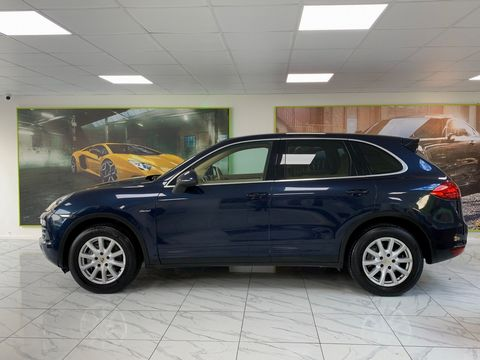 2011 Porsche Cayenne 3.0 TD Tiptronic S AWD 5dr - Picture 12 of 35