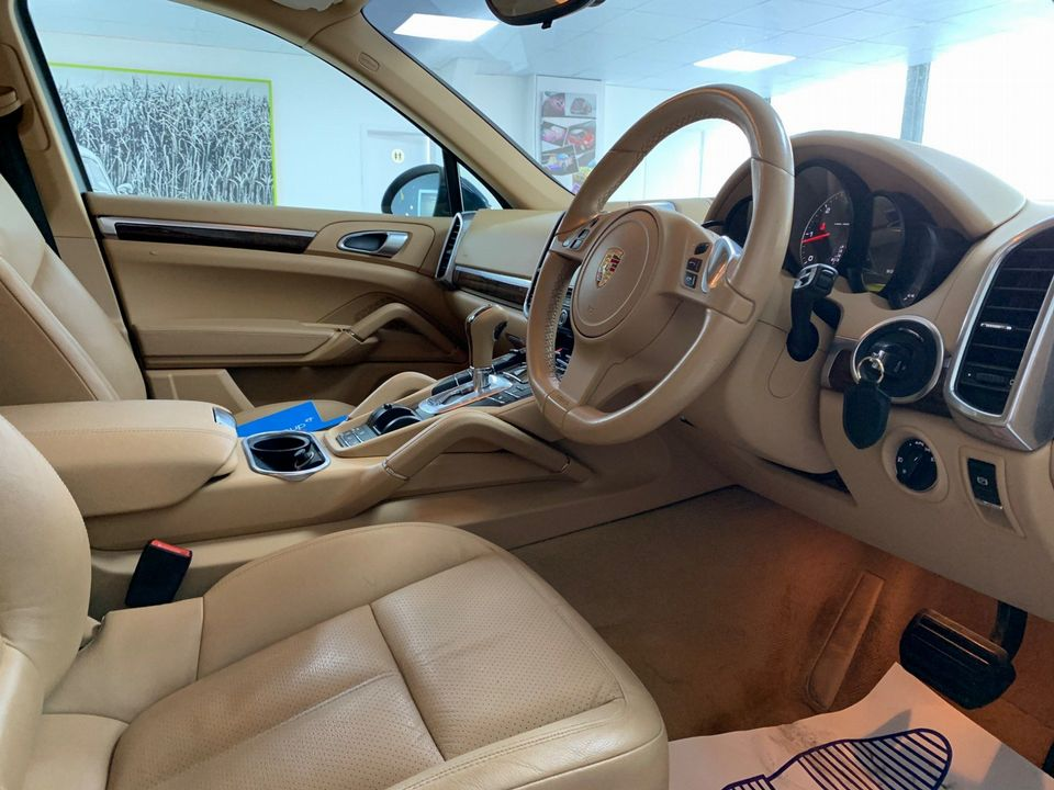 2011 Porsche Cayenne 3.0 TD Tiptronic S AWD 5dr - Picture 27 of 35