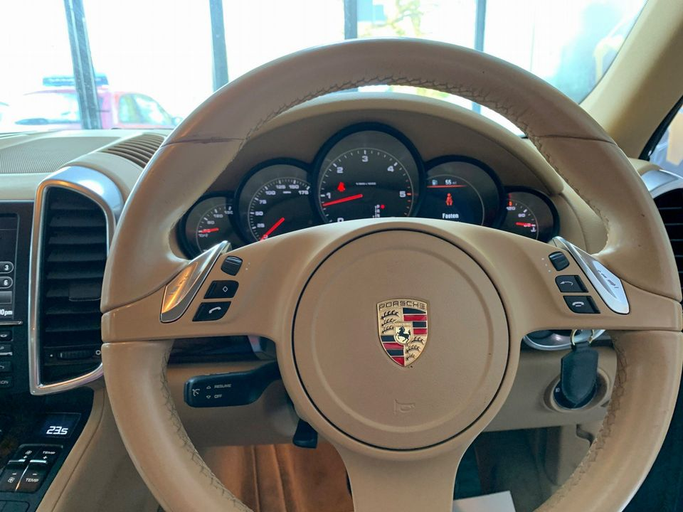 2011 Porsche Cayenne 3.0 TD Tiptronic S AWD 5dr - Picture 28 of 35