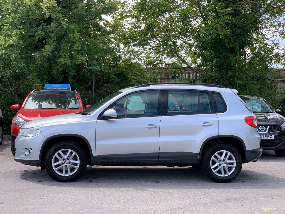 2010 Volkswagen Tiguan 2.0 TDI BlueMotion Tech S (s/s) 5dr - Picture 6 of 18