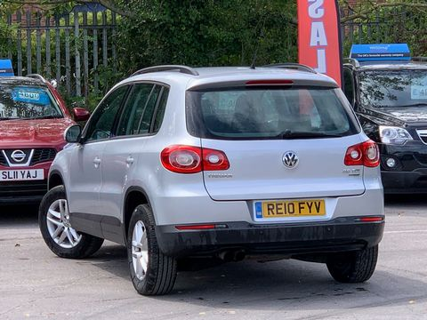2010 Volkswagen Tiguan 2.0 TDI BlueMotion Tech S (s/s) 5dr - Picture 7 of 18