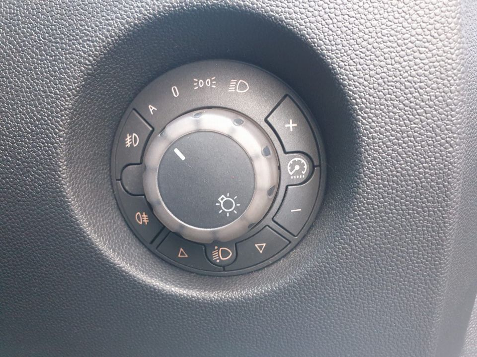 2008 Vauxhall Corsa 1.4 i 16v Design 5dr (a/c) - Picture 23 of 26