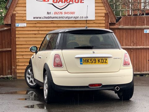 2009 MINI Hatch 1.6 Cooper D 3dr - Picture 10 of 23