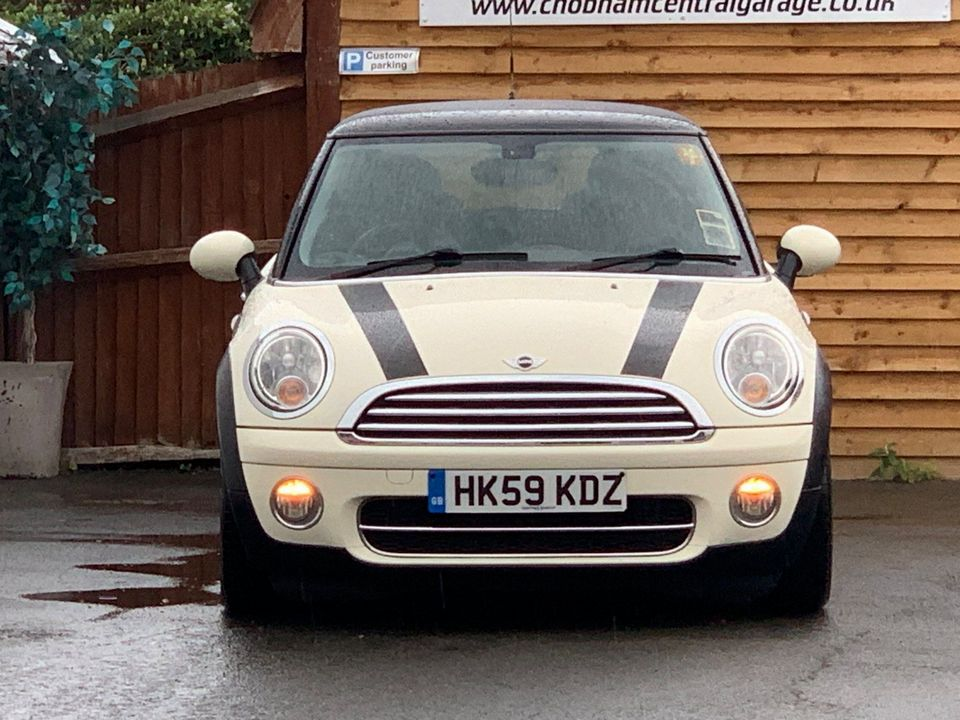 2009 MINI Hatch 1.6 Cooper D 3dr - Picture 4 of 23