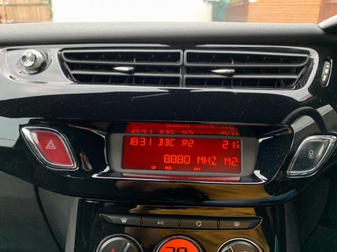2011 Citroen DS3 1.6 e-HDi Airdream DStyle Plus 3dr - Picture 23 of 25