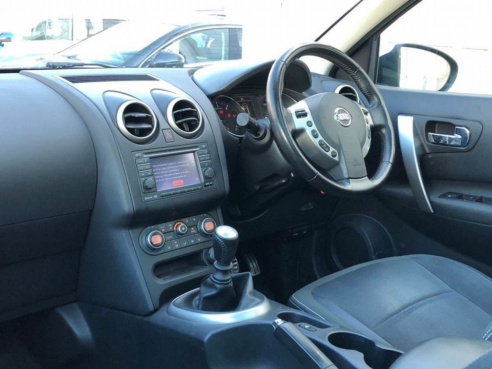2010 Nissan Qashqai 2.0 dCi n-tec 2WD 5dr - Picture 13 of 37