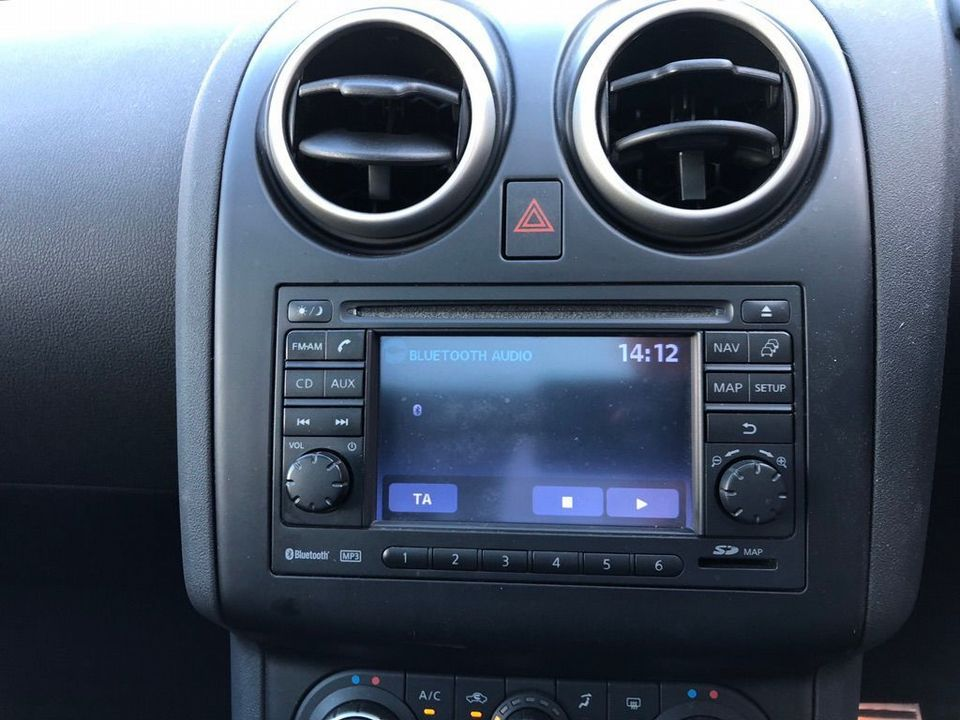 2010 Nissan Qashqai 2.0 dCi n-tec 2WD 5dr - Picture 25 of 37