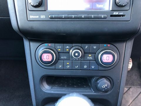 2010 Nissan Qashqai 2.0 dCi n-tec 2WD 5dr - Picture 28 of 37