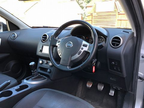 2010 Nissan Qashqai 2.0 dCi n-tec 2WD 5dr - Picture 23 of 37