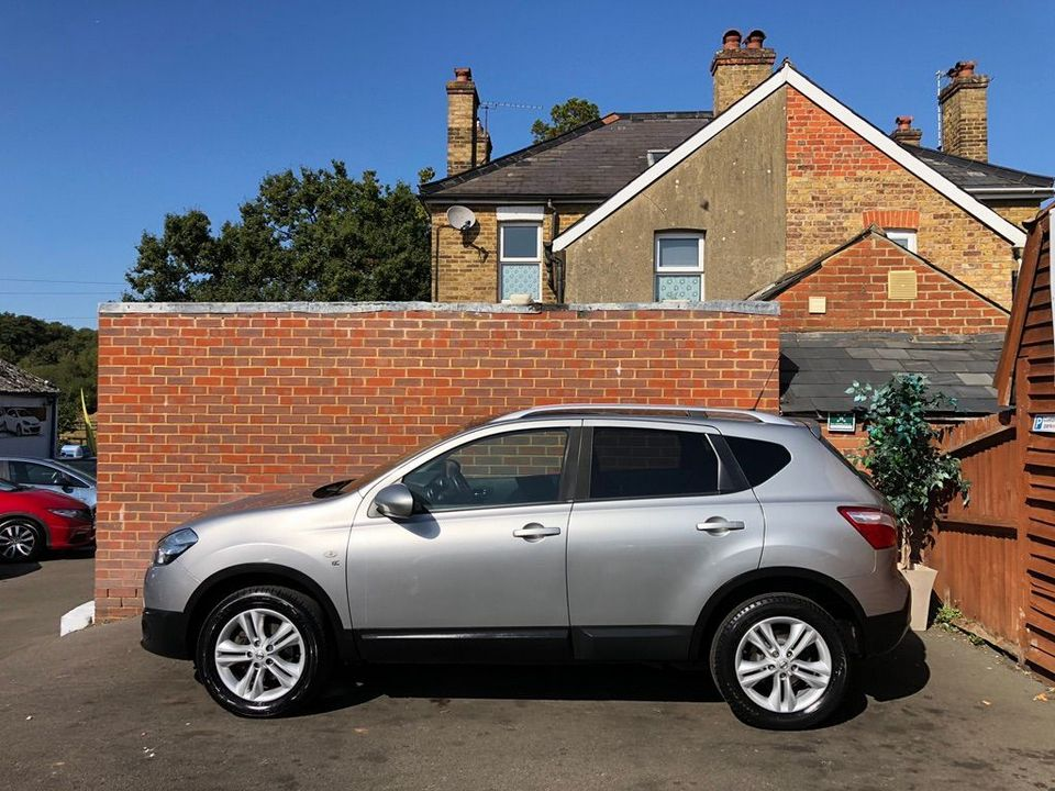 2010 Nissan Qashqai 2.0 dCi n-tec 2WD 5dr - Picture 7 of 37