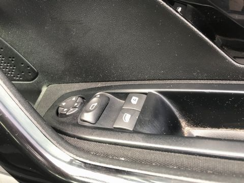 2013 Peugeot 208 1.2 VTi Access+ 3dr - Picture 22 of 26