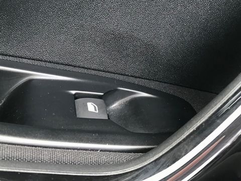 2013 Peugeot 208 1.2 VTi Access+ 3dr - Picture 23 of 26