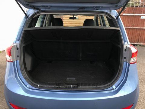 2012 Hyundai ix20 1.6 CRDi Blue Drive Active 5dr - Picture 10 of 33