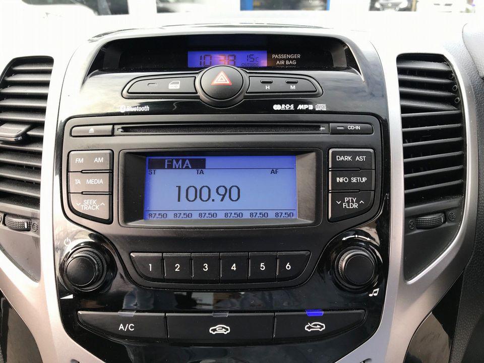 2012 Hyundai ix20 1.6 CRDi Blue Drive Active 5dr - Picture 23 of 33