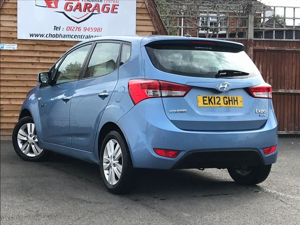 2012 Hyundai ix20 1.6 CRDi Blue Drive Active 5dr - Picture 9 of 35