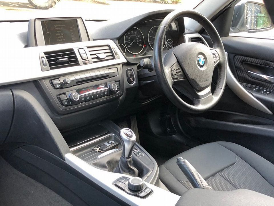 2012 BMW 3 Series 2.0 318d SE Touring (s/s) 5dr - Picture 13 of 37