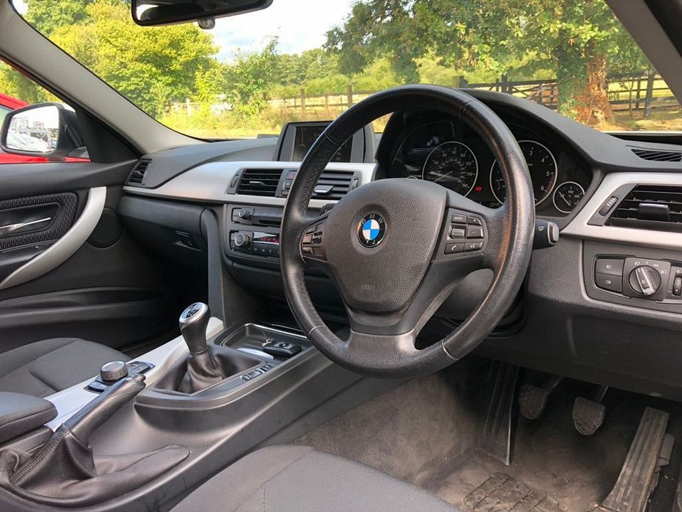 2012 BMW 3 Series 2.0 318d SE Touring (s/s) 5dr - Picture 21 of 37