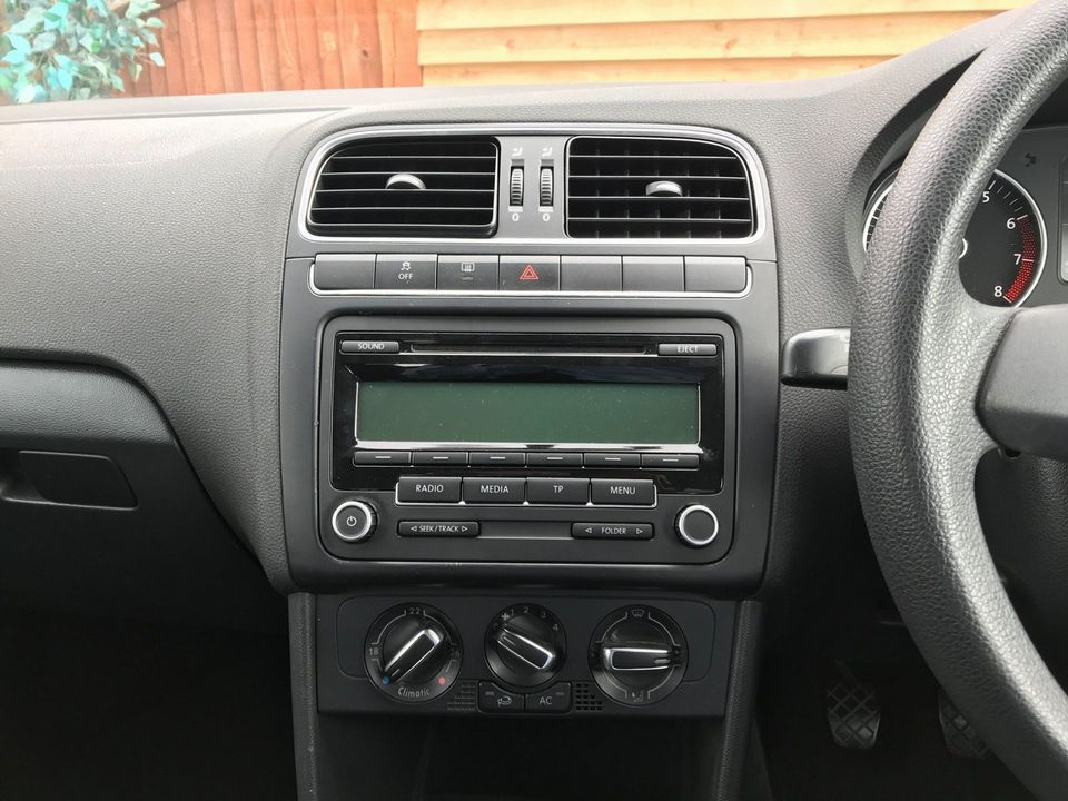 2010 Volkswagen Polo 1.4 SE 3dr - Picture 17 of 22