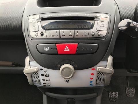 2009 Peugeot 107 1.0 12v Urban Lite 3dr - Picture 21 of 25