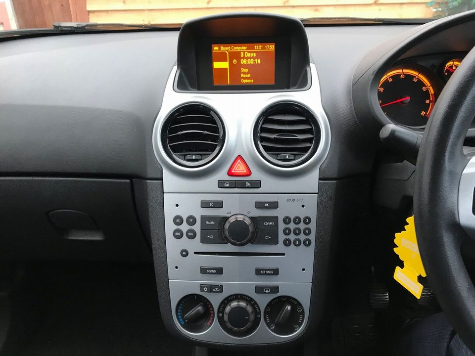 2011 Vauxhall Corsa 1.2 i 16v Excite 5dr - Picture 16 of 27