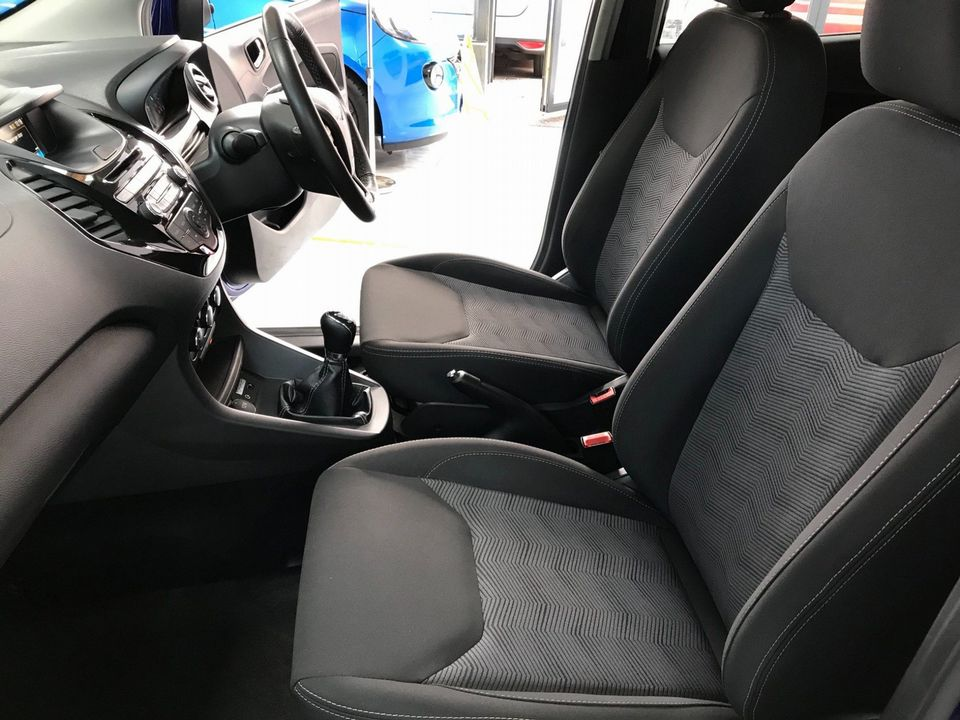 2017 Ford Ka+ 1.2 Ti-VCT Zetec 5dr - Picture 14 of 32