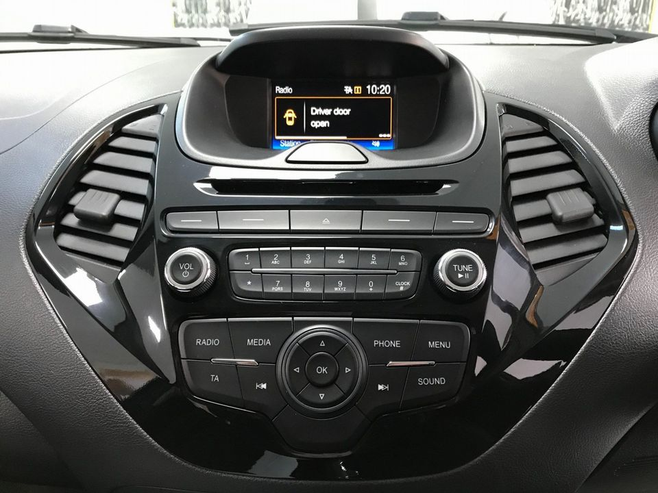 2017 Ford Ka+ 1.2 Ti-VCT Zetec 5dr - Picture 17 of 32