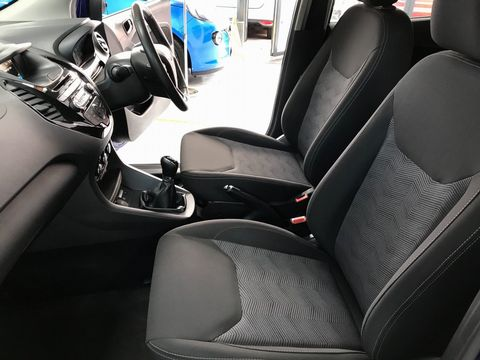 2017 Ford Ka+ 1.2 Ti-VCT Zetec 5dr - Picture 14 of 33