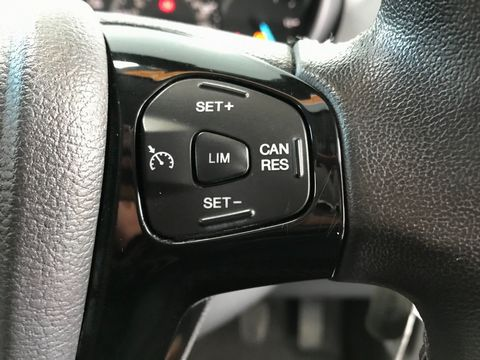 2017 Ford Ka+ 1.2 Ti-VCT Zetec 5dr - Picture 26 of 33