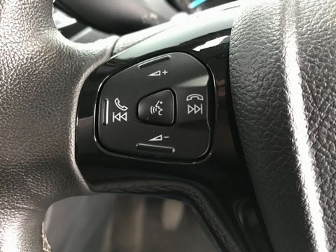 2017 Ford Ka+ 1.2 Ti-VCT Zetec 5dr - Picture 27 of 33