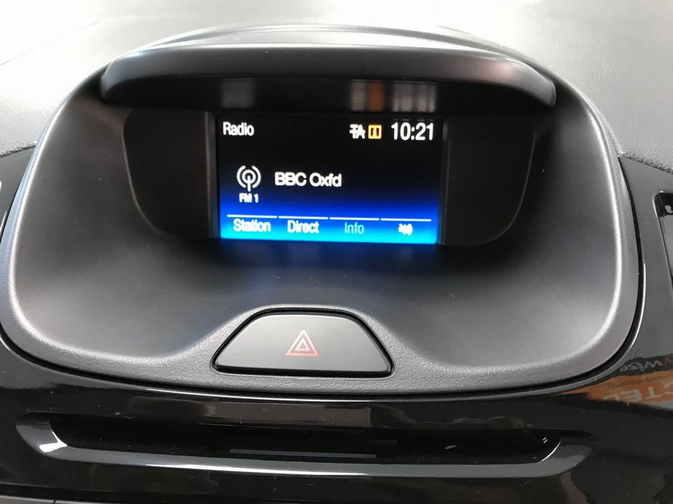 2017 Ford Ka+ 1.2 Ti-VCT Zetec 5dr - Picture 18 of 31